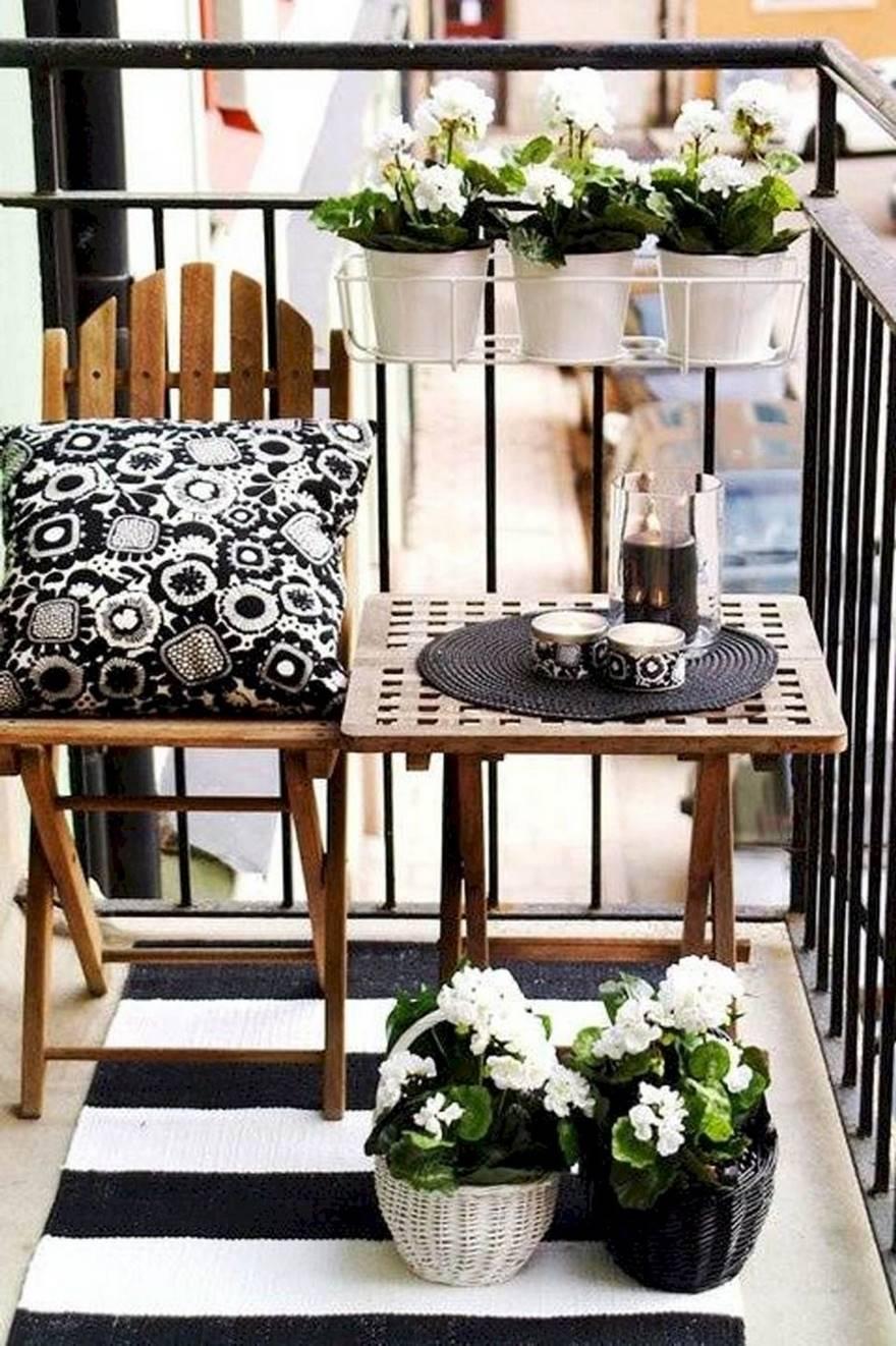 Kucuk Balkon Dekorasyonu Fikirleri Fotograf Galerisi (18)
