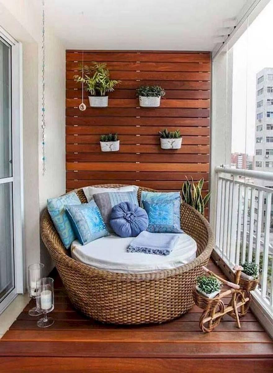Kucuk Balkon Dekorasyonu Fikirleri Fotograf Galerisi (29)