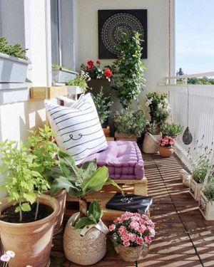 Kucuk Balkon Dekorasyonu Fikirleri Fotograf Galerisi (39)