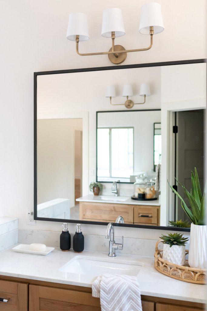 Büyük Aynalar Kullanın