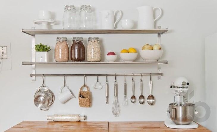 Mutfak Duvar Rafı Dekorasyonu Nasıl Yapılır?